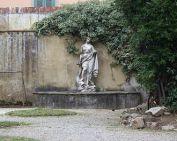 330px-Limonaia_Vicolo_del_Ruschi_Pisa_Vasca